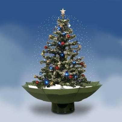 snowing christmastree unterm christbaum hagelts styropor. Black Bedroom Furniture Sets. Home Design Ideas