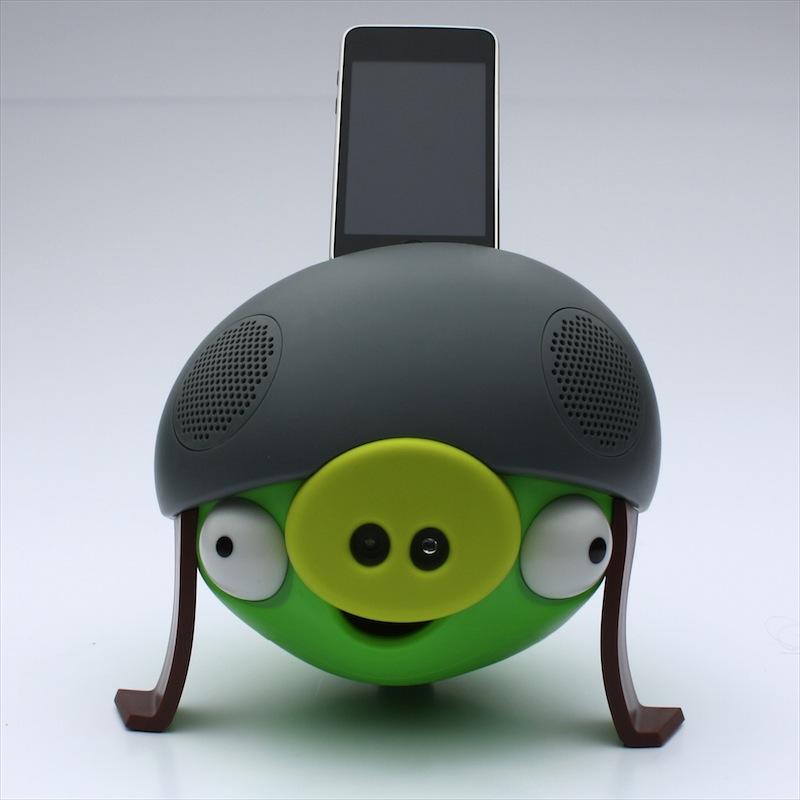 gear4 angry birds lautsprecher im test schwein mit helm. Black Bedroom Furniture Sets. Home Design Ideas
