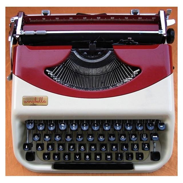 schreibmaschinen renaissance der mechanik f rderland. Black Bedroom Furniture Sets. Home Design Ideas
