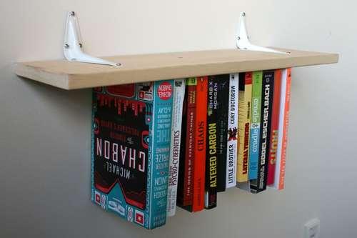 Außergewöhnliche Regale inverted bookshelf schwerkraft ausgetrickst förderland