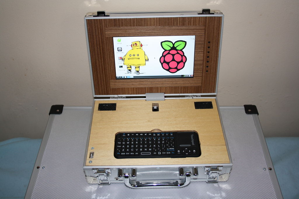 basteldings lappi raspberry pi als selbstbau laptop foerderland. Black Bedroom Furniture Sets. Home Design Ideas