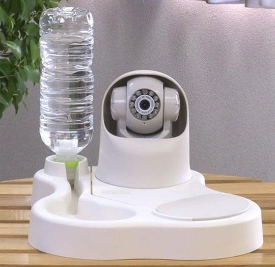 remoca futtersch ssel kamera hunde f ttern ber wlan. Black Bedroom Furniture Sets. Home Design Ideas