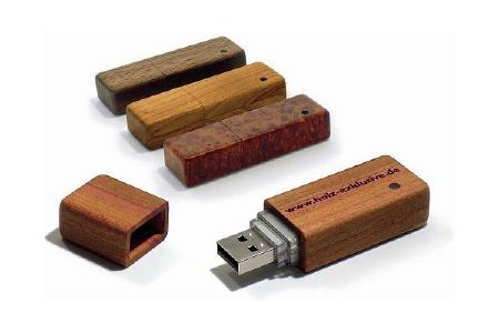 back to the woods usb sticks aus holz foerderland. Black Bedroom Furniture Sets. Home Design Ideas