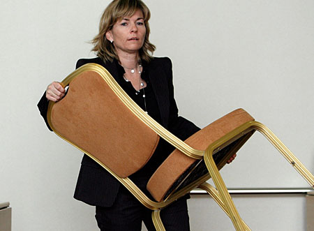 Die Geschäftsführerin der Gratiszeitung .ch Caroline Thoma informiert die Medien: Ende Oktober wird neu lanciert (Keystone/Alessandro Della Bella)