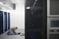 Enterprise 2.0 - noch im Keller der IT-Abteilung. (keystone, Gaetan Bally)