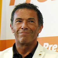 Er ist wieder da: Jörg Haider übernimmt den Vorsitz der Partei Bündnis Zukunft Österreich von Peter Westenthaler (Bild Keystone/Ronald Zak)