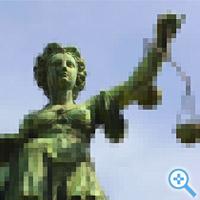 Die Justitia auf dem Brunnen vor dem Rathaus Roemer in Frankfurt am Main (Bild Keystone/Reinhold Huegerich, Montage medienlese.com)
