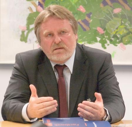 Manfred Hasenbeck Burda-Yukom W.D.Roth