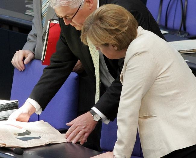 Steinmeier liest Zeitung - heute auch mal öffentlich