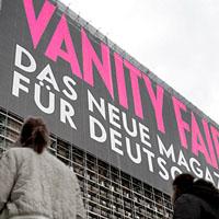 Anfang Februar vergangenen Jahres in Berlin: Protzige Werbung für protzende Zeitschrift (Bild Keystone/Michael Sohn)