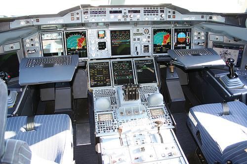 Cockpit einer A380 - listenbedürftig (Foto: Naddsy bei flickr.com)