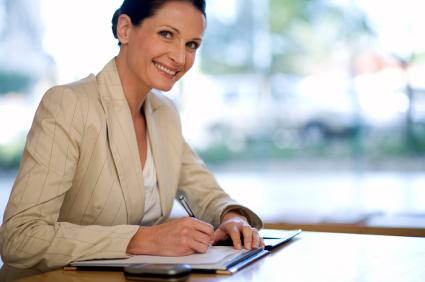 Jeder kann ein Erfolgstagebuch führen - das Tragen eines Businesskostüms ist dabei optional.
