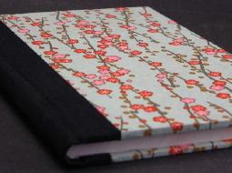Notizbuch mit Blumen-Umschlag